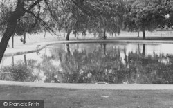 Tooting Bec, The Pond 1951