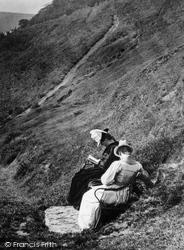 Torrington, Women Reading 1890, Great Torrington