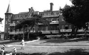 Totland Bay, Totland Chalet Hotel c1960