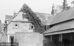 Totnes, Guildhall And Sexton's Cottage 1896