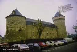 The Chateau 1984, Tours