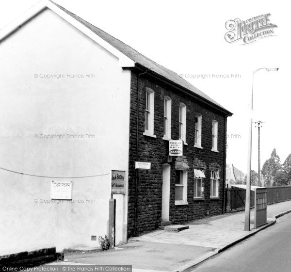 Trealaw, Cemetery Road c1965