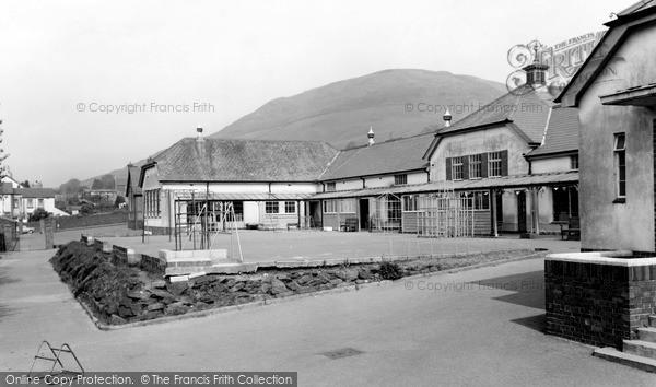 Photo of Trealaw, the School c1965