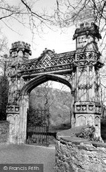 Tremadoc, Church, The Italian Gate c.1960