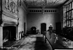 The Hall And Minstrels Gallery 1907, Trerice Manor