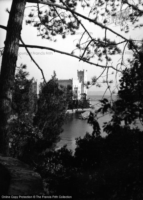 Photo of Trieste, Castello Miramare 1938