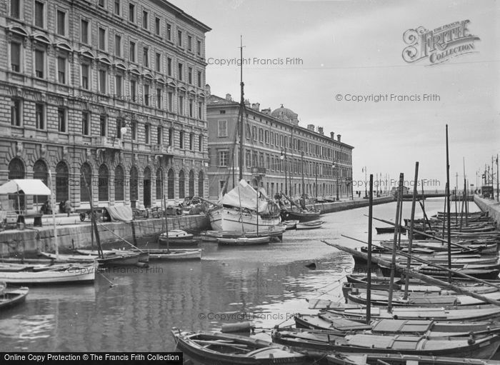 Photo of Trieste, Grand Canal 1938