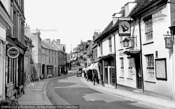 Photo of tring high street c 1950