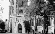 Tring, St Peter and St Paul's Church c1960