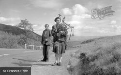 Bagpipe Player 1962, Trossachs