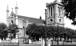 Trowbridge, Holy Trinity Church c.1955