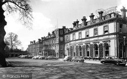 Tunbridge Wells, Spa Hotel c.1965