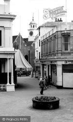 Tunbridge Wells, The Pantiles c.1960