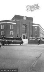 Tunbridge Wells, Town Hall c.1960