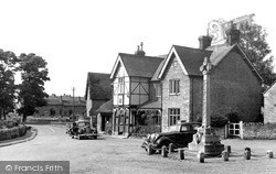 The Three Cranes Hotel c.1950, Turvey