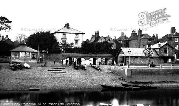 Twickenham, the Slipway facing Eel Pie Island 1890