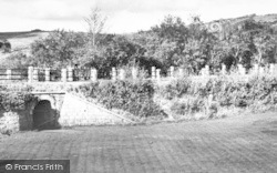 Two Bridges, The Gardens, Two Bridges Hotel c.1960