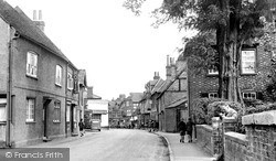 Twyford, High Street c.1950