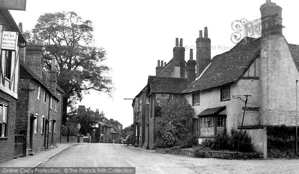 Twyford, High Street c1955