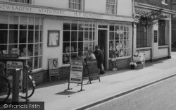 Twyford, Newberry's Newsagent, London Road c.1960