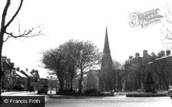 Tynemouth, Huntington Place From Manor Road c.1955