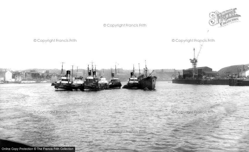 Tynemouth, River Tyne c1960