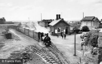Tywyn, Tal-y-Llyn Railway c1960