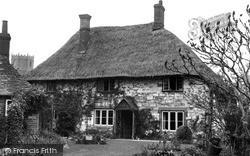 Benjy's Cottage Of 'tom Brown's Schooldays'  c.1955, Uffington