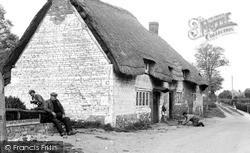 Thatched Cottage c.1955, Uffington