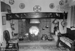 Uffington, The Fireplace, Benjy's Cottage c.1960