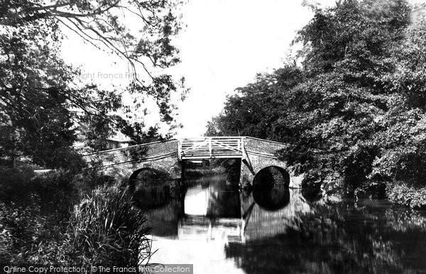 Photo of Unstead, Bridge 1898