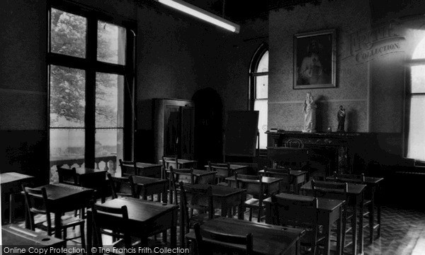 Photo of Upper Beeding, A Classroom, Convent Of The Blessed Sacrament c.1955