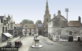 Uppingham, Market Place and St Peter and St Paul's Church 1932