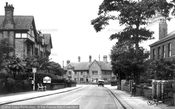 Photo of Urmston, Stretford Road c.1950