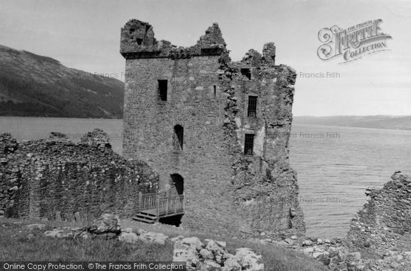 Photo of Urquhart Castle, 1952
