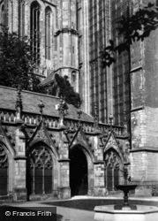 Dom Kerk, Cloisters c.1930, Utrecht