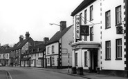 Uttoxeter, Carter Street And White Hart c.1965