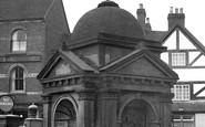 Uttoxeter, Dr Johnson's Memorial c.1955