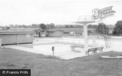 Uttoxeter, The Lido c.1965