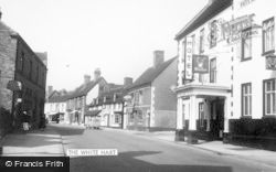 Uttoxeter, The White Hart Hotel And Tavern c.1955