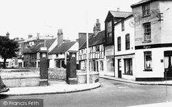 Uxbridge, Cross Street c.1960