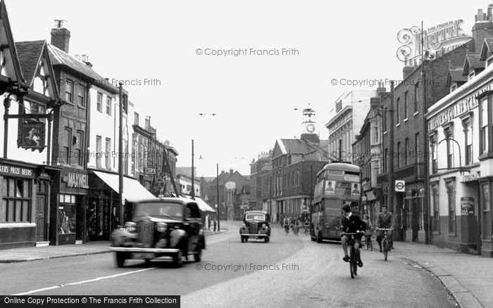 Uxbridge, High Street looking east c1950