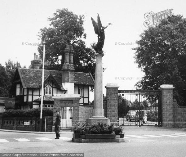Uxbridge, RAF Memorial c.1960