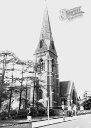 Uxbridge, St Andrew's Church c.1955