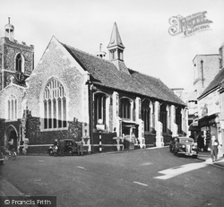 Uxbridge, St Margaret's Church c.1950