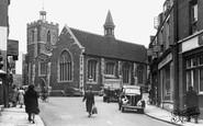 Uxbridge, St Margarets Church c1955