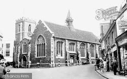 Uxbridge, St Margaret's Church c.1960