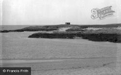 Cymyran Beach 1936, Valley