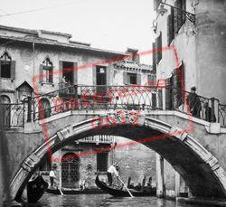 A Bridge 1938, Venice