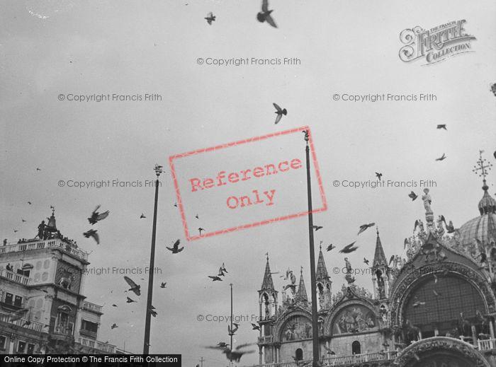 Photo of Venice, Pigeons 1938